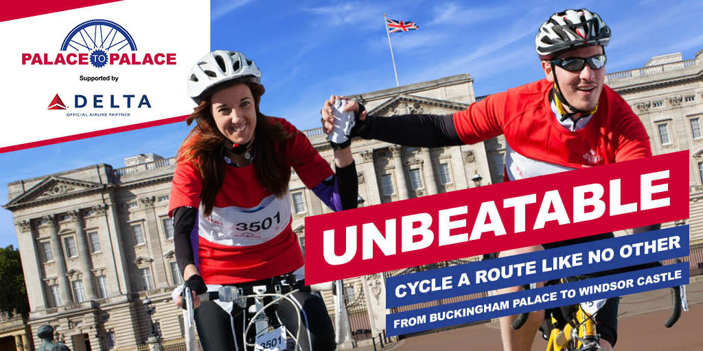 Palace to Palace supported by Delta Air Lines, unbeatable route like no other. Two cyclists holding hands in front of Buckingham Palace