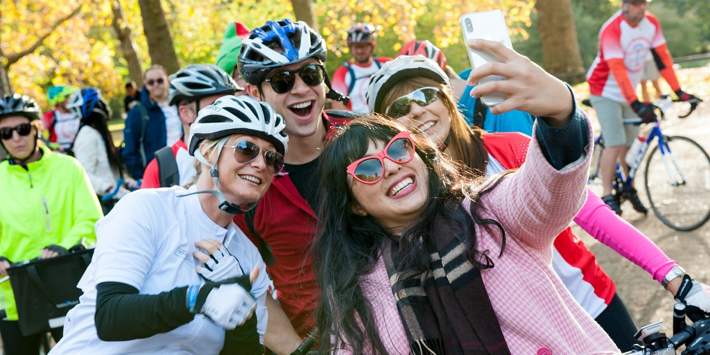 Melissa Hemsley with Palace to Palace cyclists