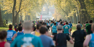 Royal Parks Half Marathon runners. Photo by rb-create photography