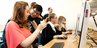 Young people at the digital classroom